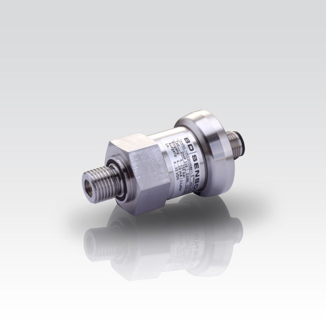 "Industrial Pressure Transmitter with G 1/4"" flush pressure port; suitable for viscous and pasty media"